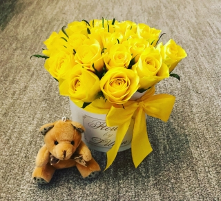 SET FLOWER BOX YELLOW ROSES WITH MINI BEAR